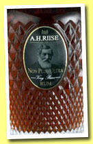 A.H. Riise 'Non Plus Ultra' (42%, OB, Virgin Islands, +/-2013)